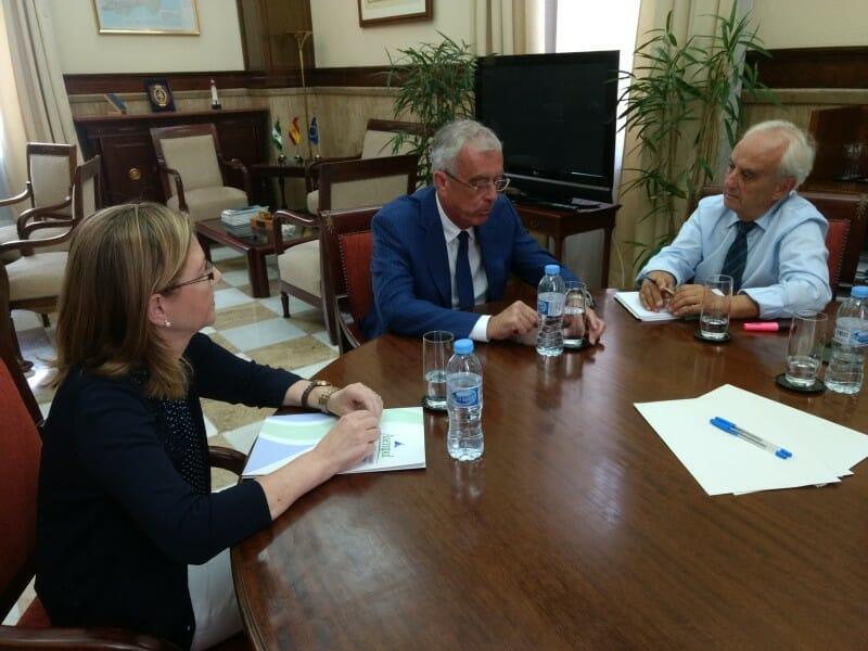 De la Fuente comunica a Asempal la voluntad del Gobierno de respetar plazos y financiación en la llegada de la alta velocidad